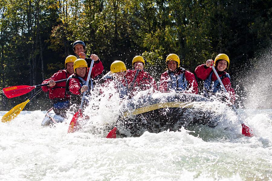 Montevia Sommer Kanu, Floß, Rafting, Nageln, Bierkrugstemmen